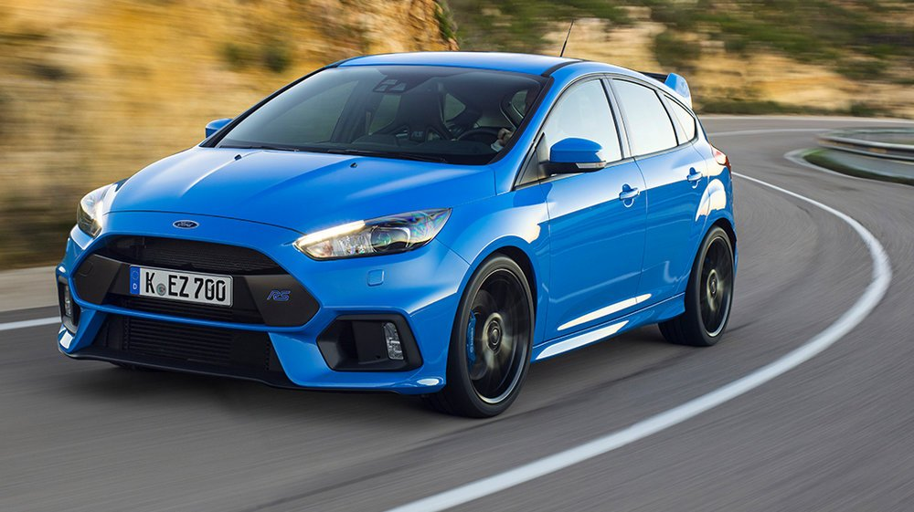 the motoring world usa the first deliveries of the all new ford focus rs have taken place in. Black Bedroom Furniture Sets. Home Design Ideas