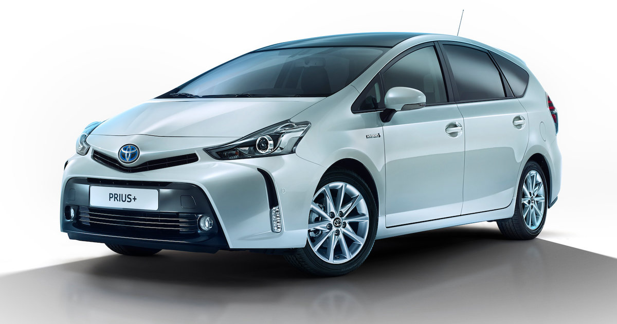 2015 toyota prius v facelift revealed. Black Bedroom Furniture Sets. Home Design Ideas