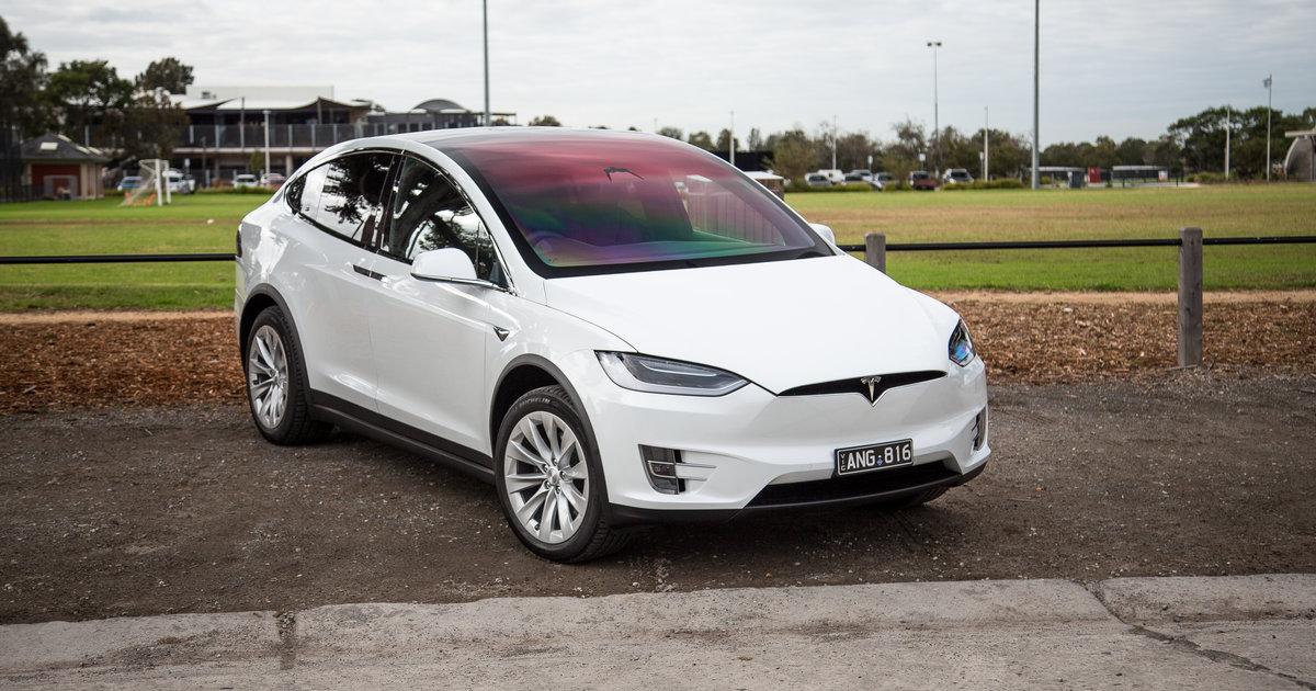 Tesla model x shines at good design awards for Tesla model x porte