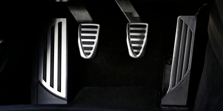 2016-Alfa-Romeo-Giulia-Quadrifoglio-25.j