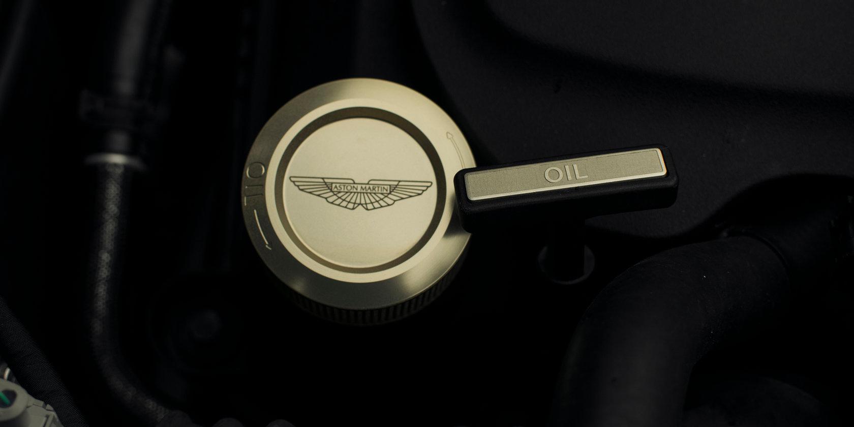 2018 애스턴 마틴 DB11 Twin-Turbo V12 [데이터주의] | 인스티즈