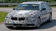 Next-generation BMW 5 Series wagon spy photos