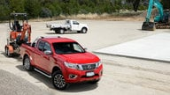 2015 Nissan Navara NP300 Review : 4x2 and 4x4 single-cab and extra-cab variants