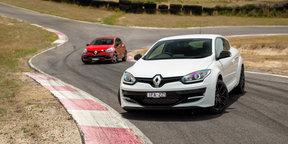 Renault Clio RS220 Trophy v Renault Megane RS265 Cup - Hillclimb Battle