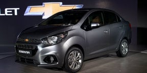Chevrolet Essentia and Spark/Beat Activ walk around - 2016 Delhi Motor Show