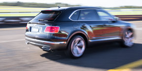 2016 Bentley Bentayga 0-100-0 acceleration test