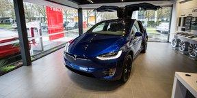 2017 Tesla Model X Walkaround Preview