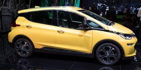 2017 Opel Ampera - 2016 Paris Motor Show