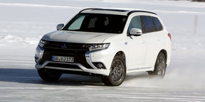Mitsubishi Outlander PHEV on ice