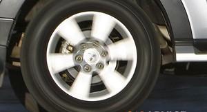 Mitsubishi Pajero Review