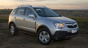 2010 Holden Captiva Review