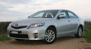 Toyota Camry Hybrid Review & Road Test