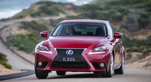 Lexus IS300h Review