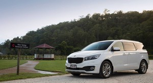 2015 Kia Carnival Review