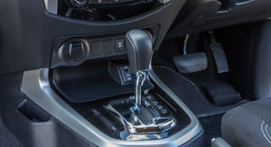 2015 Nissan Navara NP300 ST Review