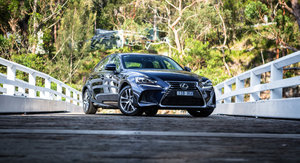 2017 Lexus IS200t Luxury review