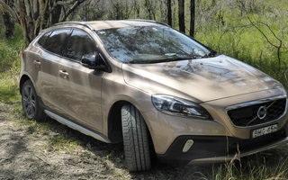 2014 Volvo V40 T5 Cross Country Review