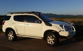 2015 Isuzu MU-X LS-U (4x4) Review