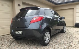 2010 Mazda 2 Neo Review