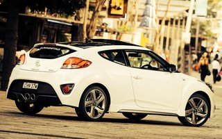 2014 Hyundai Veloster Sr Turbo Review
