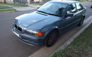 2001 BMW 325i review