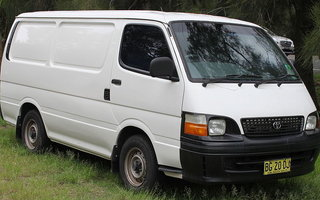 2000 Toyota HiAce review