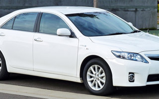 2011 Toyota Camry Hybrid review