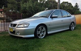 2005 Holden Commodore Review