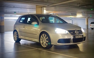 2009 Volkswagen Golf Review