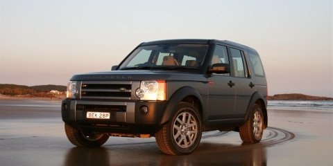2008 Land Rover Discovery 3 Dune driving on Stockton Beach