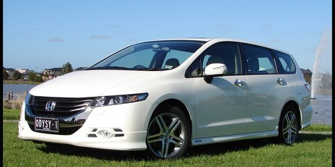 2009 Honda Odyssey Review & Road Test