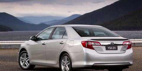 2012 Toyota Camry Hybrid released