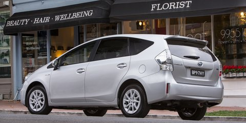 Toyota Prius V i-Tech: luxury variant for hybrid people-mover