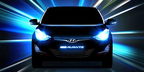 Hyundai Elantra facelift teased: here this year