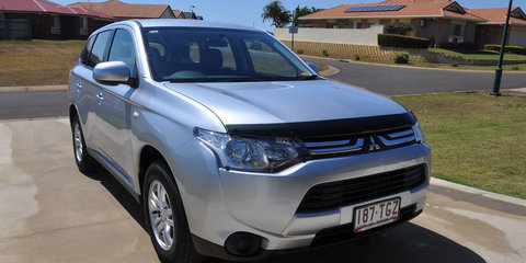 2012 MITSUBISHI OUTLANDER ES (4x2) Review