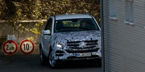 Mercedes-Benz ML-Class facelift spied