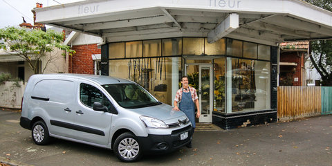 Citroen Berlingo Review : Flowers by Fleur weekender