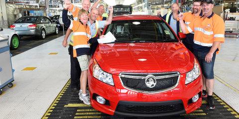 Holden Cruze : Elizabeth plant celebrates production of 100,000th small car