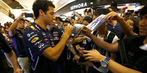Daniel Ricciardo proves motorsport cooler than cricket, golf