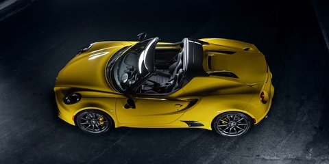 Alfa Romeo 4C Spider revealed at 2015 Detroit auto show