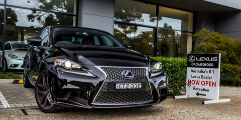 2015 Lexus IS300h Review : LT1