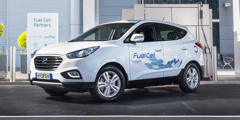 Hyundai ix35 Fuel Cell unveiled and first hydrogen refuelling station officially opened