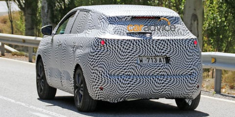 2016 Peugeot 3008 spy photos
