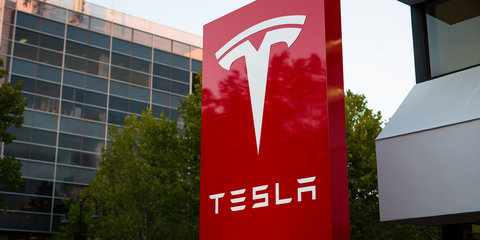 Tesla Model Y SUV and Model X-based minibus confirmed
