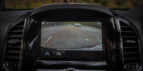 How does rear cross-traffic alert work?