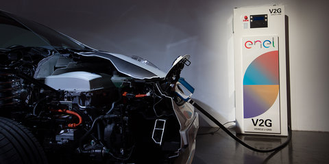 Nissan UK launches vehicle-to-grid project, unveils energy storage system
