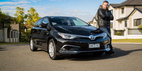 2016 Toyota Corolla Hybrid Review