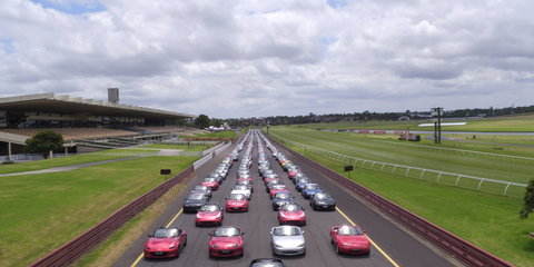 Mazda's got a posse:: Records broken at Mazda MX-5 Fan Fest