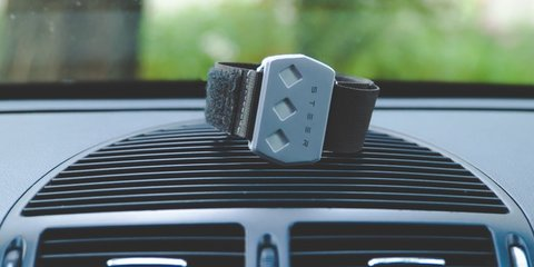 Steer device wakes sleepy drivers by electric shock
