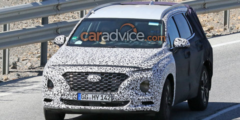 2018 Hyundai Santa Fe spied with less camouflage